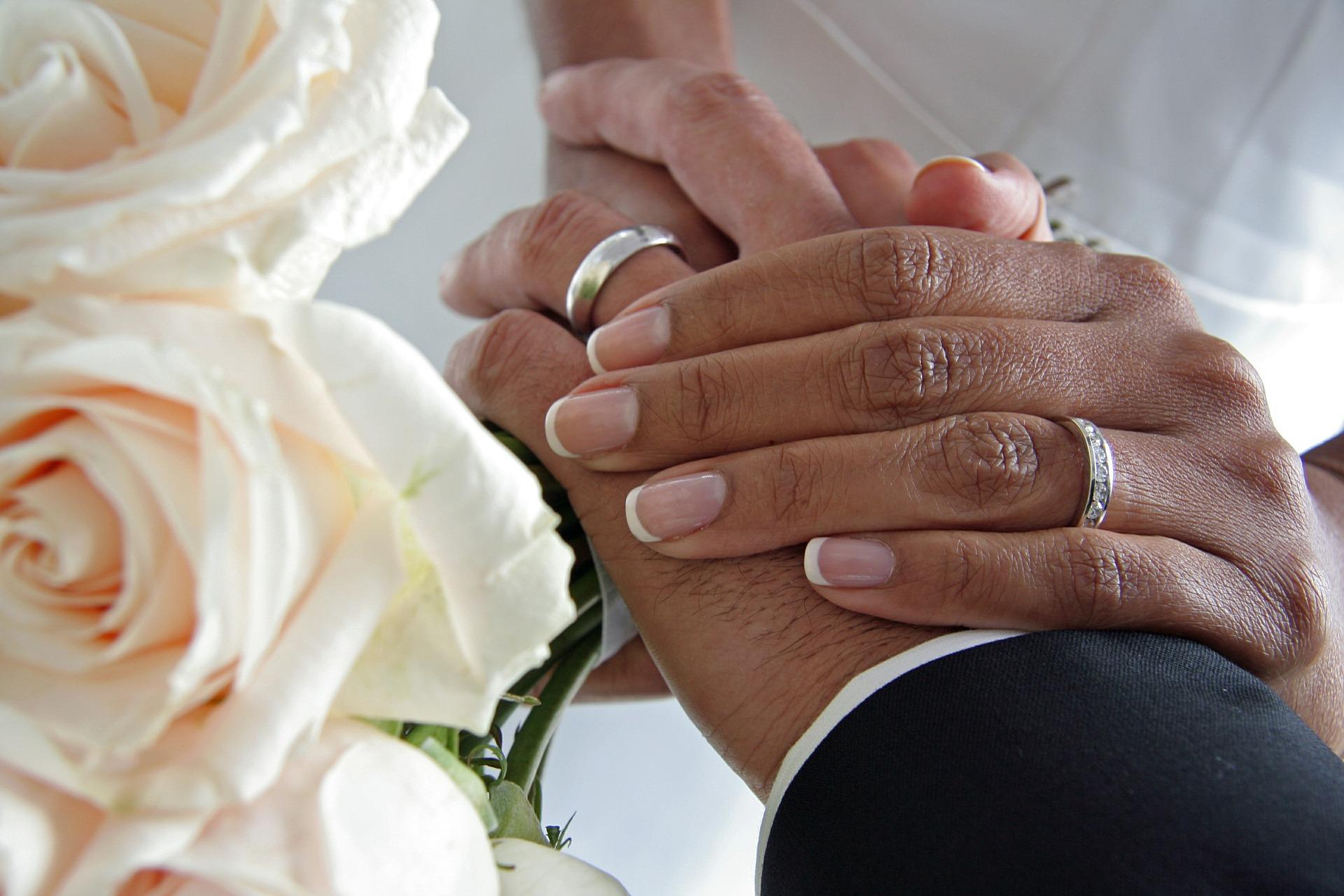 couple-559429_1920