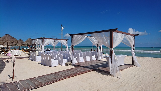 svatební altánek na pláži