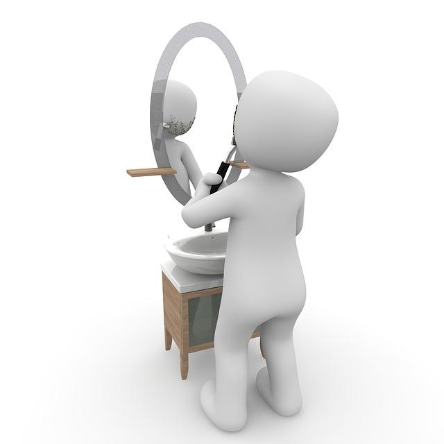 holení před zrcadlem